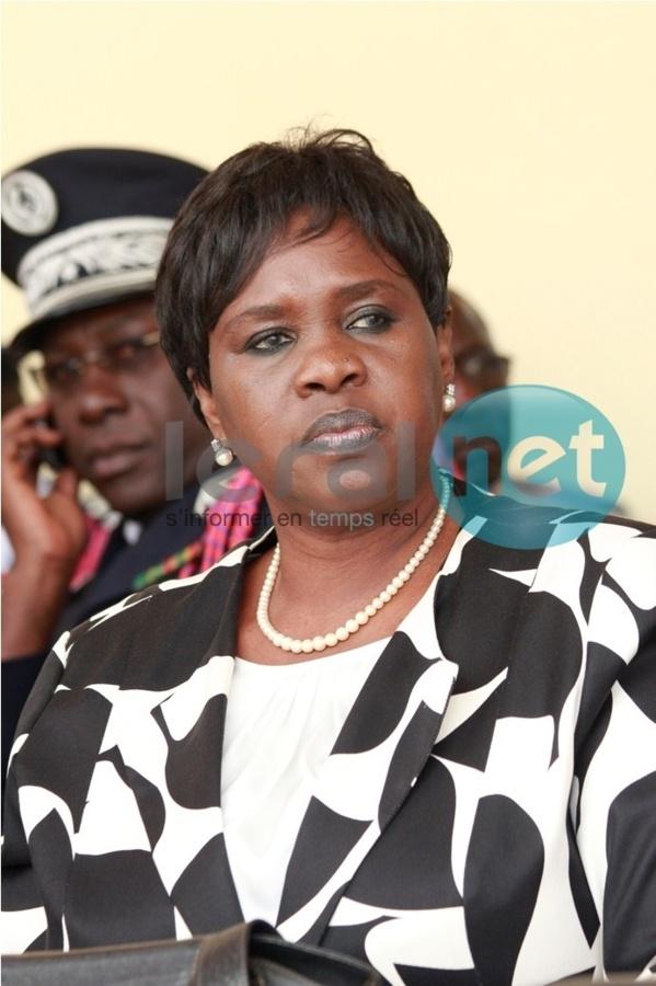 [Photo exclusive] Une femme à la tête de la police: Anna Sémou Faye remplace Abdoulaye Niang à la DGPN
