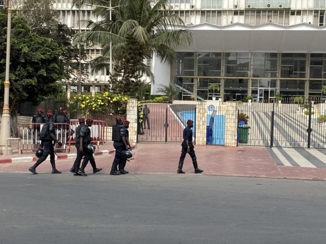 Manifestations Assemblée nationale: Au moins 12 membres du M2D arrêtés, Macky Sall taxé de...