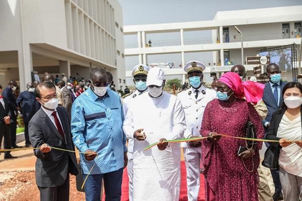 Visite présidentielle : Macky Sall a inauguré l' l'Institut Supérieur d'Enseignement Professionnel de Diamniadio