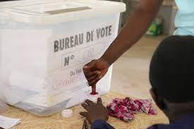"""Loi portant code électoral: Macky valide les """"consensus"""" et reporte l'arbitrage des """"divergences"""""""
