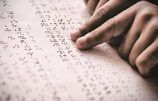 Grande particularité du CFEE à Saint-Louis: Un candidat mal voyant compose en braille