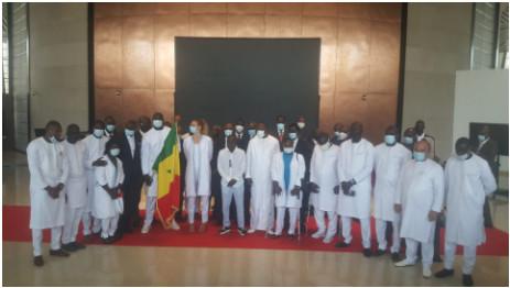 JO de Tokyo: Le drapeau national remis à la délégation sénégalaise