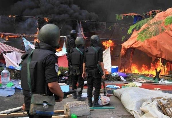 [Photos] Scènes d'horreur lors de la dispersion des manifestants pro-Morsi au Caire