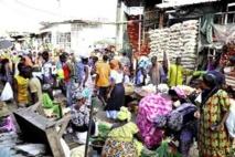Marché Castor : Après la révolte des commerçants, la mairie déploie des camions de ramassage des ordures