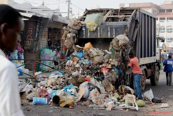 Dette de 6 milliards FCfa: Les concessionnaires du nettoiement menacent de boycotter la collecte des ordures ménagères...