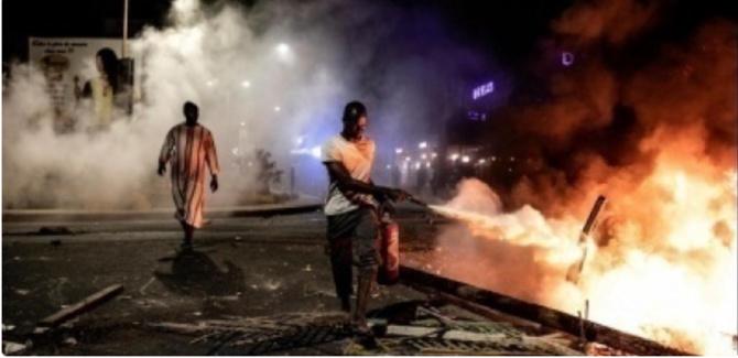"""La voiture des acteurs de la série """"Infidèles"""", prend feu en plein tournage: Sonia blessée"""