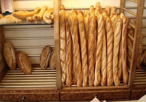 Vente de la baguette de pain à 200 FCfa: Les mises en garde du Directeur du Commerce