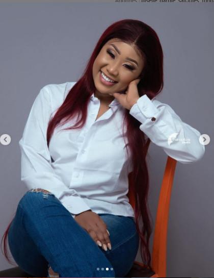 L'actrice Alima se dévoile tout en formes et en rondeurs dans un joli jean (Photos)