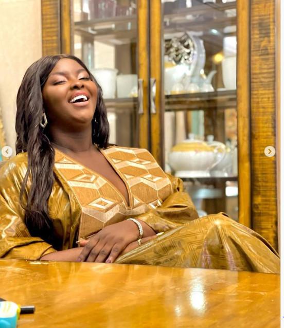 Tabaski: La chanteuse Abiba rayonnante en grand boubou (Photos)