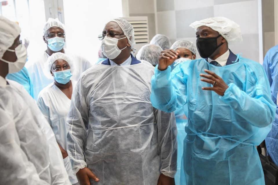 Le Président Macky Sall en visite surprise dans certaines structures de santé