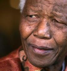 George Bush père, présente ses condoléances à la famille de Nelson Mandela (gaffe)