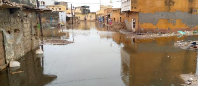 """Inondations et accident mortel à Kalack: Le gouvernement accusé d'être un """"médecin après la mort"""""""