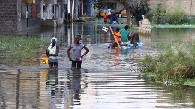 Inondations: Oumar Guèye se couvre de comparation insipide