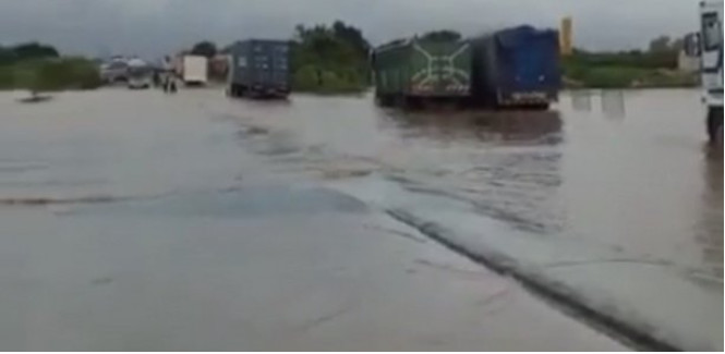 Inondations: L'Ageroute libère la Nationale 1