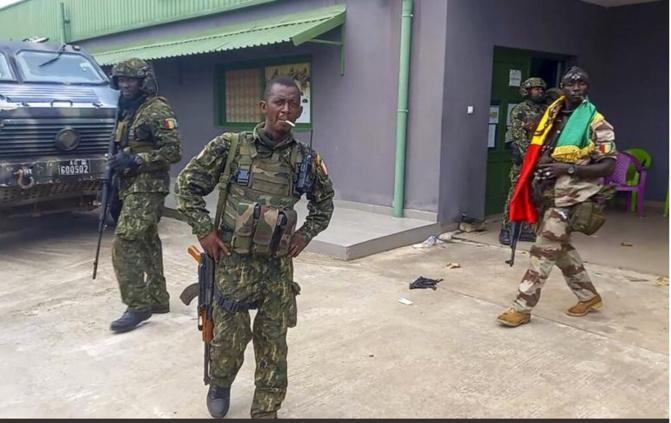Guinée: tous les anciens dignitaires interdits de sortie du territoire