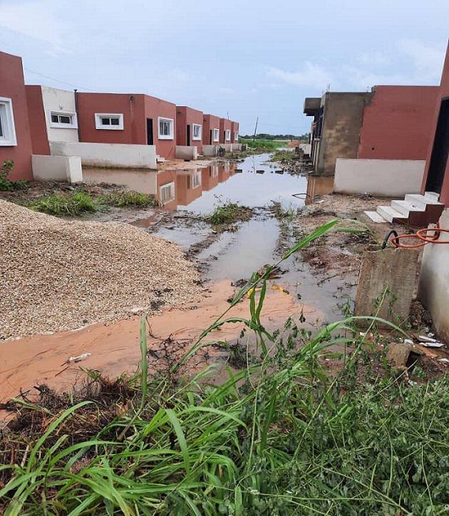 La cité des Akys de Bambilor décrite comme une vraie catastrophe immobilière: Ses habitants au bord de la révolte