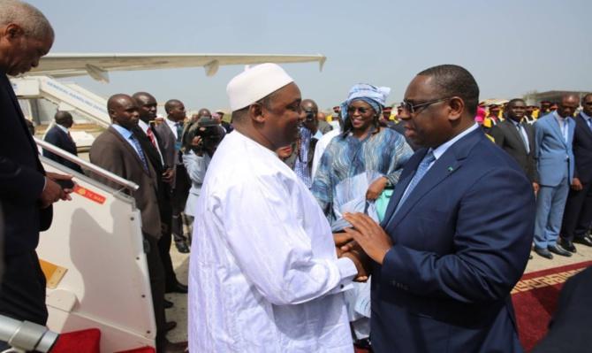 Présidentielle Gambie: L'opposition soupçonne Macky Sall d'ingérence, bombe désamorcée par...