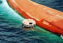 11e anniversaire du naufrage de « Le Djolaa » : Une gerbe de fleurs de Benoit Sambou à la mémoire des victimes