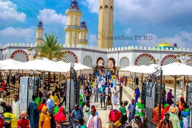Affluence des pèlerins vers la ville sainte: Les images du 17 Safar près de la Grande Mosquée de Touba