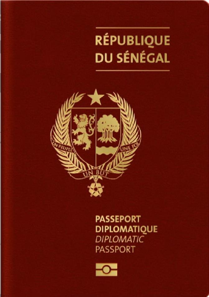 Voici la couleur des nouveaux passeports diplomatique depuis 2019...