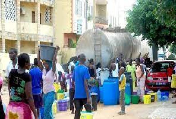 Manque d'eau à Touba: Réactions après le clavaire de milliers de fidèles, plongés dans une grosse soif