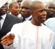 Affaire Dangote : Cheikh Amar persiste et signe…