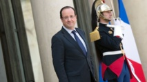 Des élus UMP accusent Hollande de tweeter pour l'Aïd mais pas Noël, sauf que...