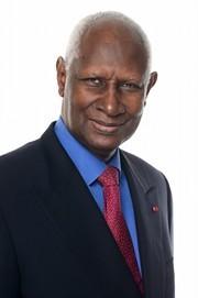 Abdou Diouf annonce sa retraite