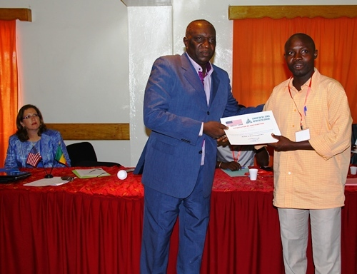 L'Ambassade soutient la formation des journalistes du centre