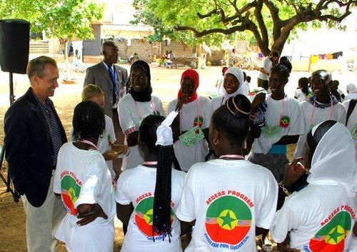 L'Ambassadeur des États-Unis se réjouit des activités du Camp Access 2013
