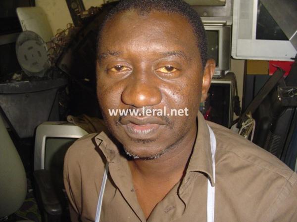 Thierno Fall dit Thié, électronicien réparateur de télé :  « Dès que nous connaîtrons la nouvelle norme choisie par le Sénégal, nous pourrons « modifier » les appareils analogiques en numérique… »