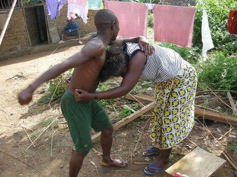 Abidjan: Il bat et déshabille sa femme pour avoir refusé le nom Gbagbo à son enfant !