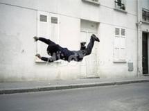 Pikine : Un homme balance son épouse de son balcon