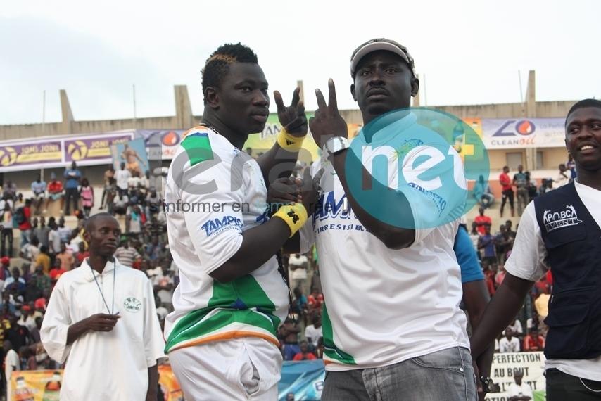 Vidéo: Revivez en résumé la victoire de Boy Niang sur Baye Mandione