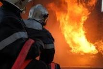 [Photo] Un bus de transport prend feu à 10 Km Fatick