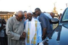 Visite de Serigne Bass à Massalikul Jinaan : Wade vivement félicité, Khalifa Sall s'engage