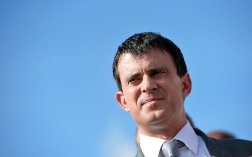 Remaniement: Manuel Valls, un homme clivant à Matignon