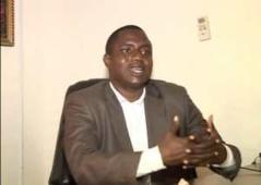 Yoro Dia, politologue : « C'est un peu tard pour que la stratégie de Karim Wade réussisse »