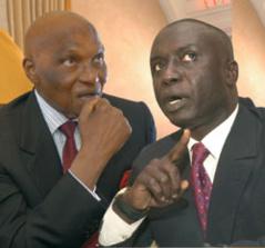 """Jonction avec Pape Diop, Idrissa Seck... .: Comment Wade compte faire le """"weur ndombo"""" à Macky"""