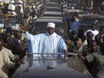 Me Wade accueilli en triomphe : Mais que veulent les Sénégalais ?