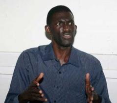 Ansoumana Dione rentre au bercail après seulement trois jours d'exil en Gambie