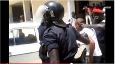 Violents affrontements à l'Ucad : Un policier tombe d'un véhicule et se blesse grièvement, un étudiant reçoit un projectile sur la tête
