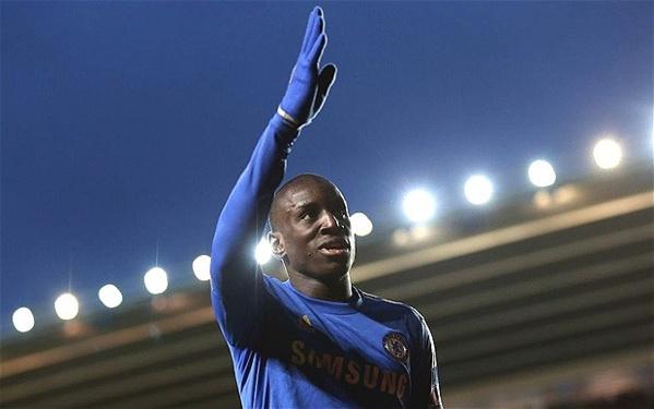 Chelsea : une porte de sortie pour Demba Ba