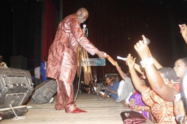 Suivez en Direct sur www.leral.net l'anniversaire de Assane Ndiaye au Grand Théâtre
