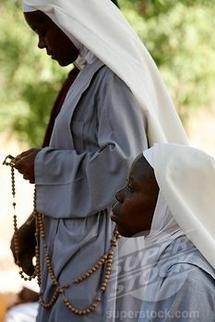 POPENGUINE: Les teeshirts de la Vierge se vendent comme de petits pains