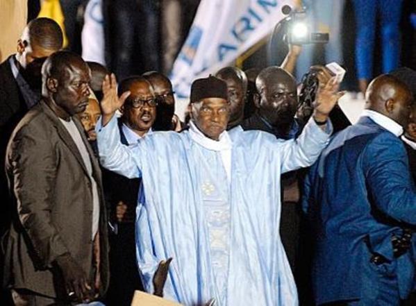 Wade est de retour à Dakar