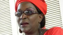 Biscuiterie : Amsatou Sow Sidibé démarre sa campagne par une marche pour la paix