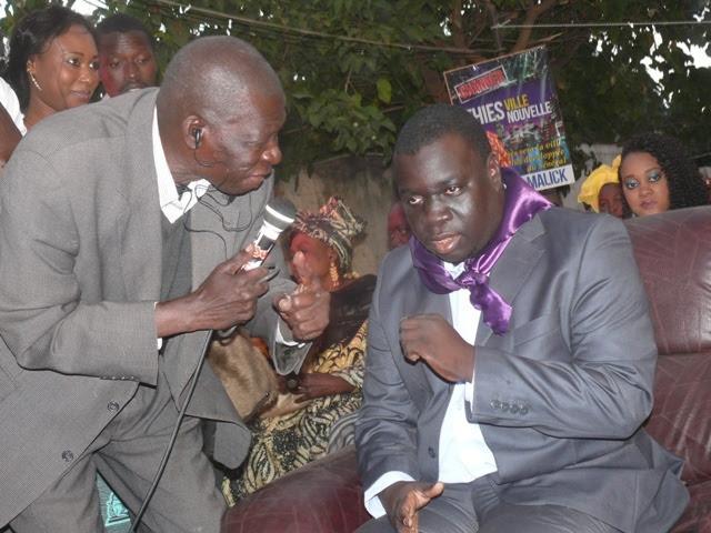 Ses affiches de campagne détruites : El Malick Seck accuse les partisans d'Idrissa Seck et porte plainte contre X