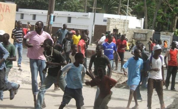 Kédougou: Les images des affrontement entre partisans  de Guirassy et du député Mamadou Hadj Cissé (Vidéo)