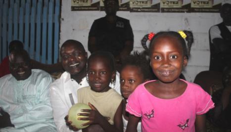 Le ministre du Tourisme et des Trransports Aériens Oumar Gueye soucieux de l'avenir des enfants